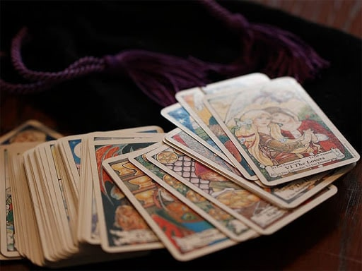 Psychic Readings Help Decision Making
